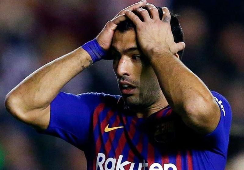 فوتبال دنیا، سوارس مصدوم و 2 هفته خانه نشین شد، سیلسن و آرتور هم از سفر به هلند بازماندند